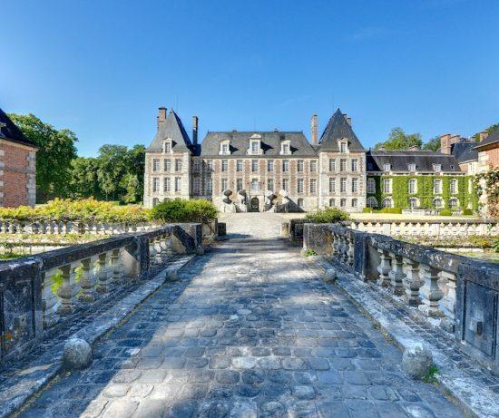 Location De Lustre Chateau Courances 710x461 1 550x461